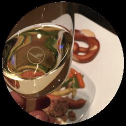 Speise und Getränke Lufthansa Business Lounge A26
